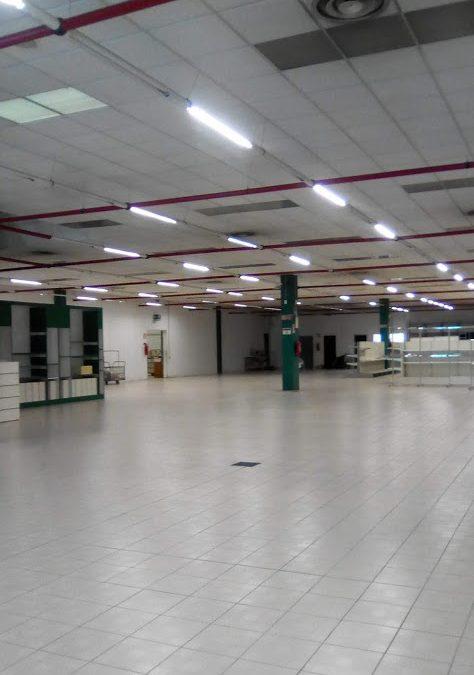 Spazio commerciale a Gallarate (VA)