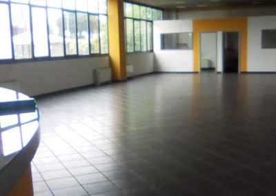 Spazio commerciale/artigianale a Solaro (MI)