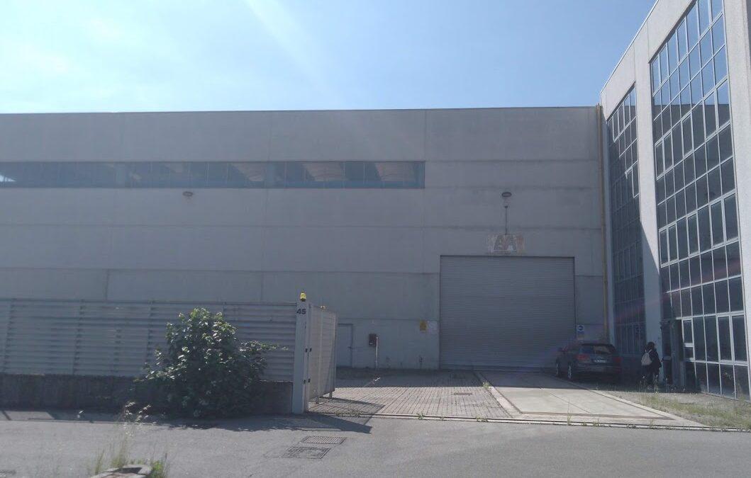 Capannone industriale zona Rho/Pero (MI)